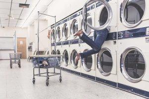 Kast voor wasmachine en droger naast elkaar